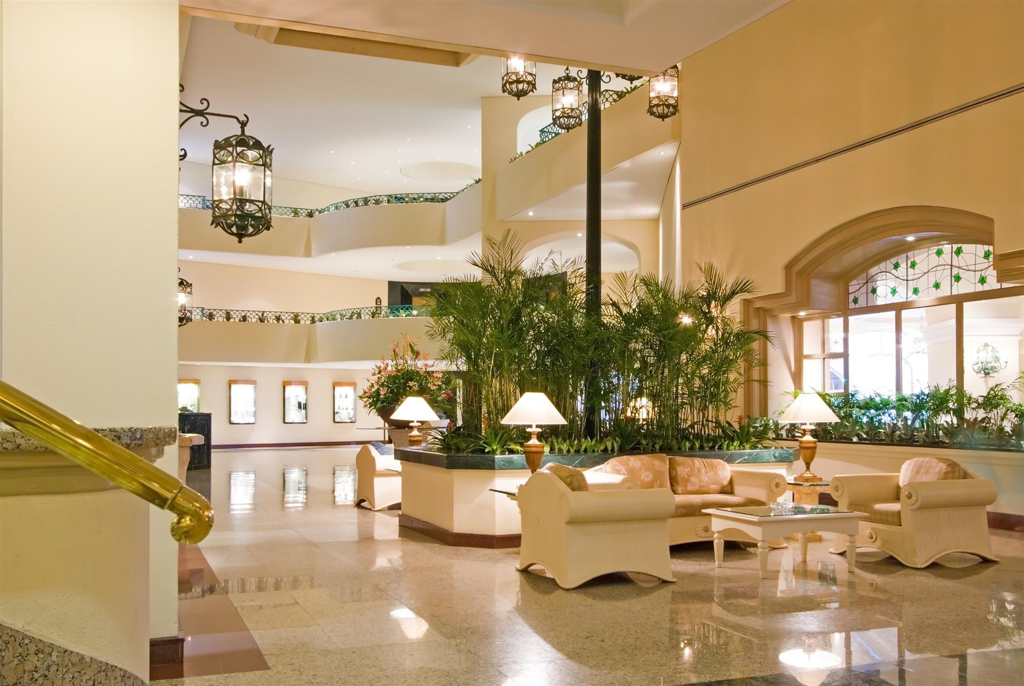 Ensure Your Hotel Lobby Leaves An Unforgettable First Impression On Your  Guests ⋆ National Hospitality Supply Blog